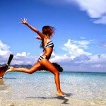 Favim_com-beach-bikini-clouds-girl-happiness-262807